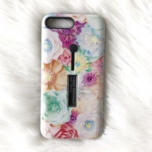 Accessories - NEW iPhone MAX/XS/X Floral Grip Stand Case